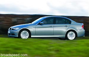 """3-Series_320i_Auto_4_Door Confira os finalistas do concurso """"World Car of the Year"""""""