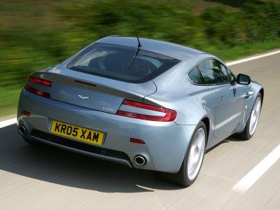 V8_2_800_4678bf67-e258-4709-8bfa-570bfa605e2d Aston Martin V8 Vantage entitulado o carro mais belo do mundo!!