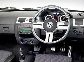 VW-Citi-Dash Então você acha o Gol G4 ruim? Vai lá na Africa do Sul pra você ver...