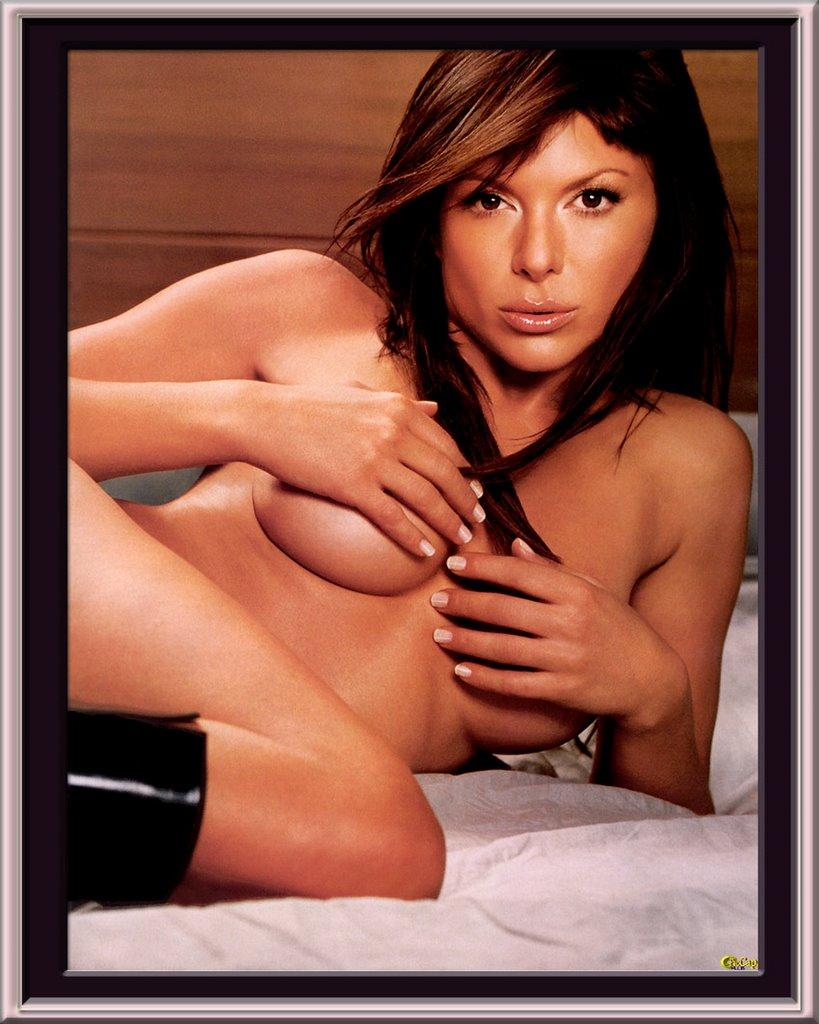 kari wuhrer nude pictures