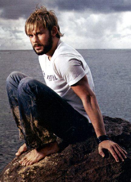 Vince Vaughn Barefoot >> Celebrity Seashore January 2006