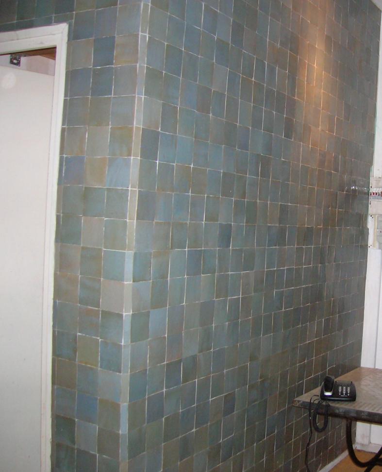 beautiful salle de bain zellige bleu images awesome interior home satellite. Black Bedroom Furniture Sets. Home Design Ideas