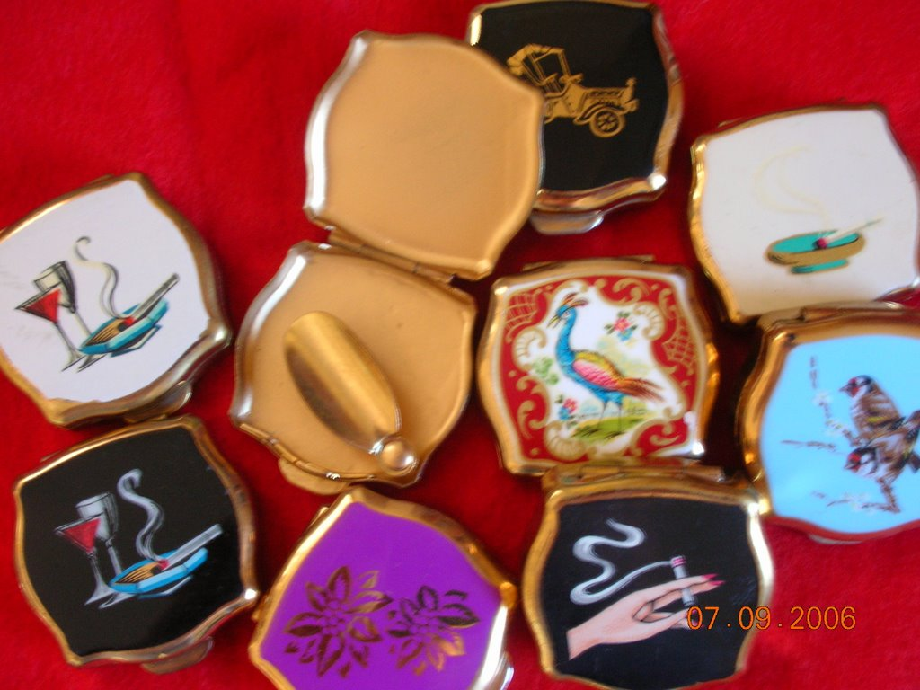 STRATTON OF ENGLAND Ladies Powder Compacts, Ladies Cigarette