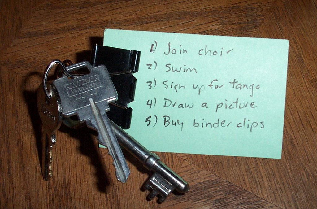 david scrimshaw 39 s blog uses for binder clips keys and reminders. Black Bedroom Furniture Sets. Home Design Ideas