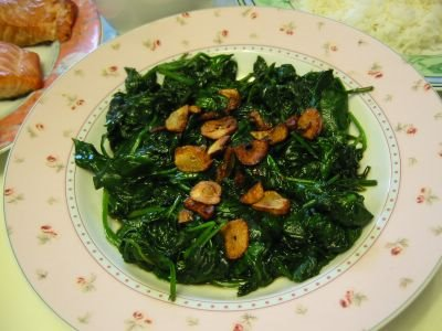 Spinach with Fried Garlic