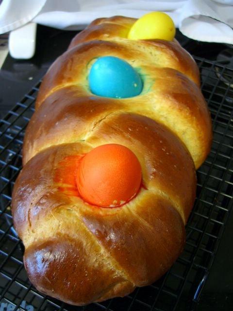 Bakingsheet Easter Egg Challah