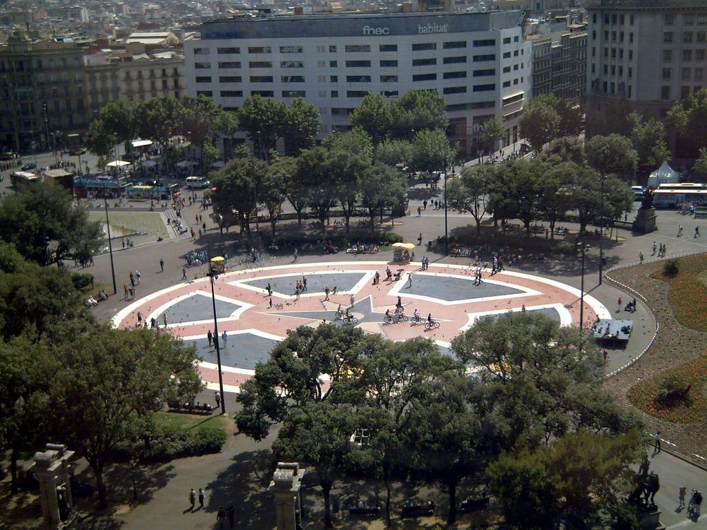 Barcelona photoblog pla a catalunya barcelona as seen - El corte ingles plaza cataluna barcelona ...