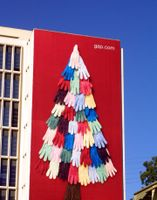 Glove Tree (Gap); Agency: Laird & Partners