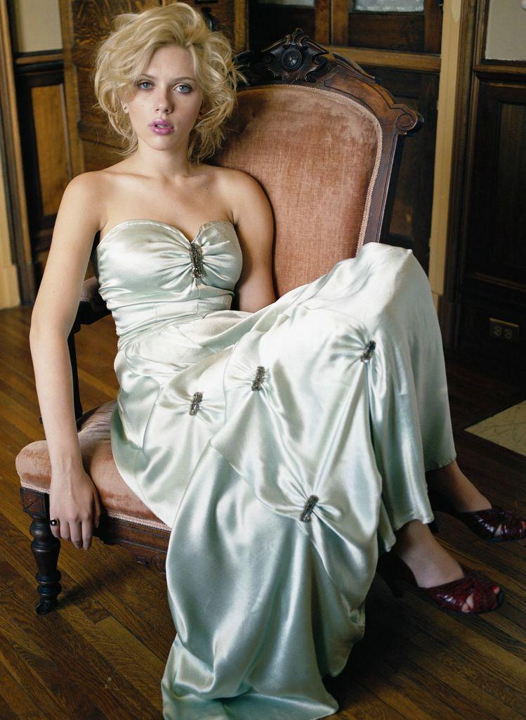 Scarlett Johansson Pictures 16 April 2006
