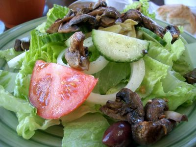 photograph picture of Muffin Mania in San Rafael and their mushroom salad