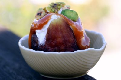 photograph picture of recipe figs with greek yoghurt, pistachios and caramel