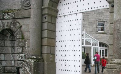 photograph picture of Powerscourt House, Enniskerry, Wicklow, Ireland, entrance