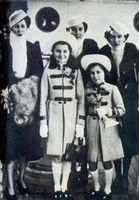 Queen Nazli and her daughters