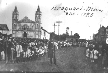 Araguari, a bela do Triângulo Mineiro - Página 2 Historia_matriz
