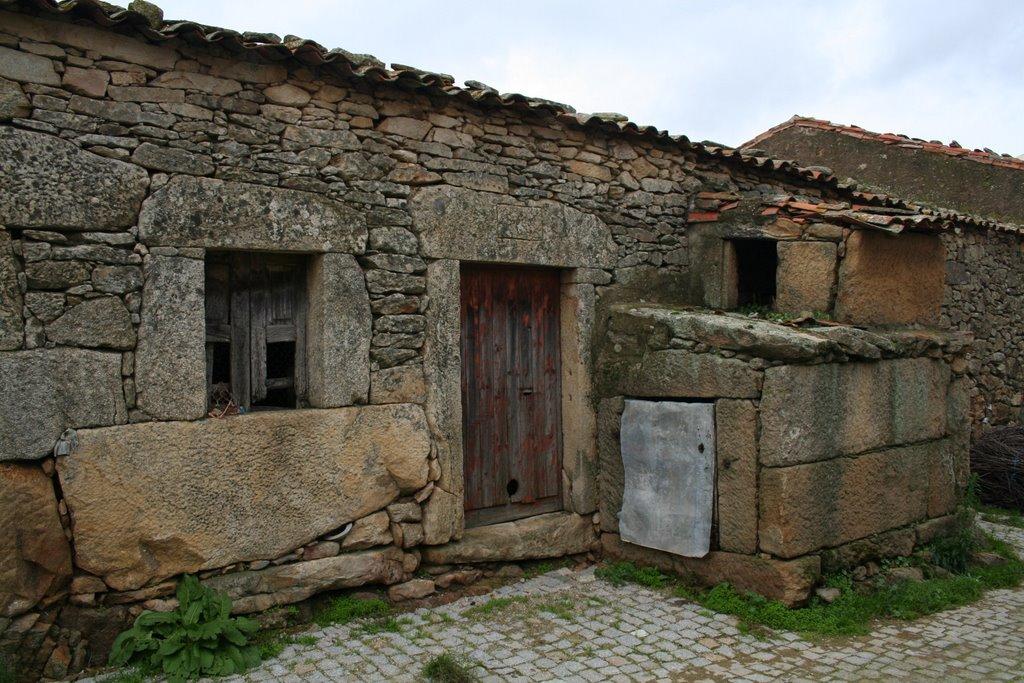 riquezas inauditas Arquitectura tradicional casa tradicional da Beira Alta