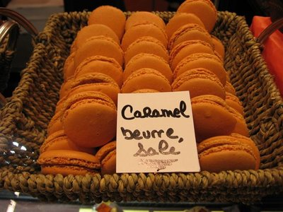 Caramel macaron beurre sale-with salted butter at the Salon du Chocolat