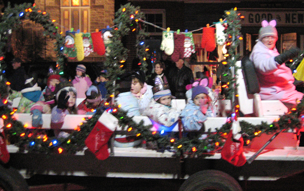 Christmas Float Ideas With Lights.Brown Betty Brew A Storybook Christmas