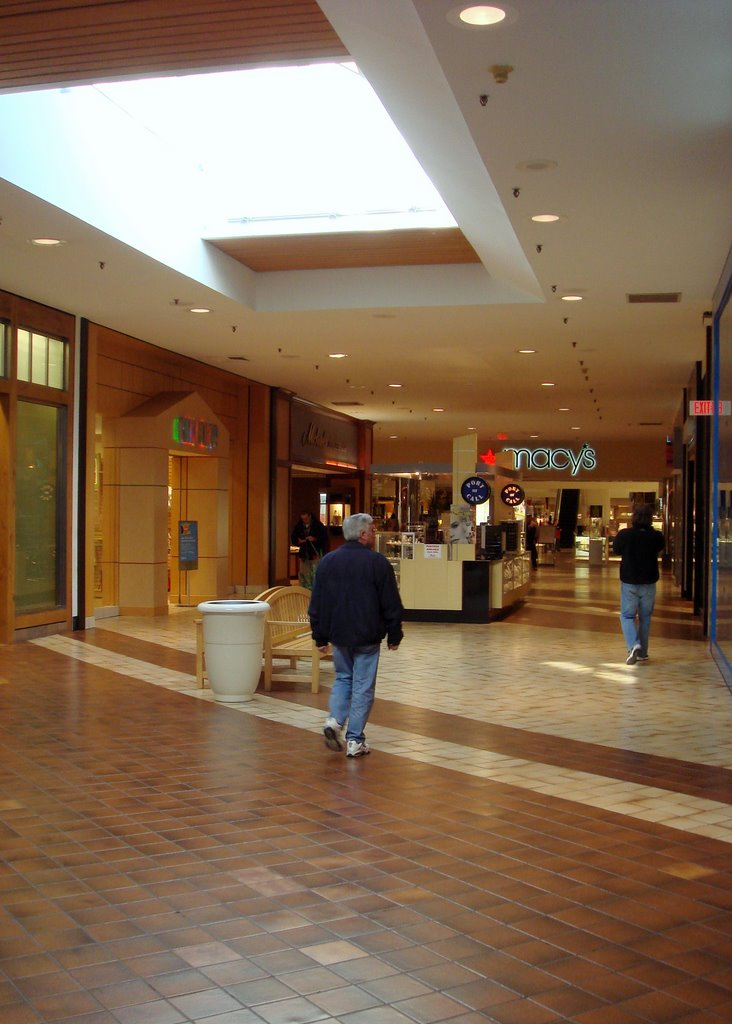 Malls In Ct >> The Caldor Rainbow: Westfield Shoppingtown Trumbull ...