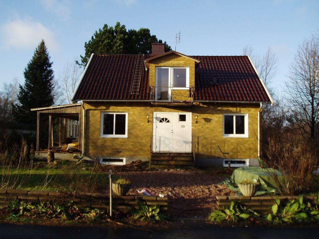 Snalla grannar fixade nytt hus