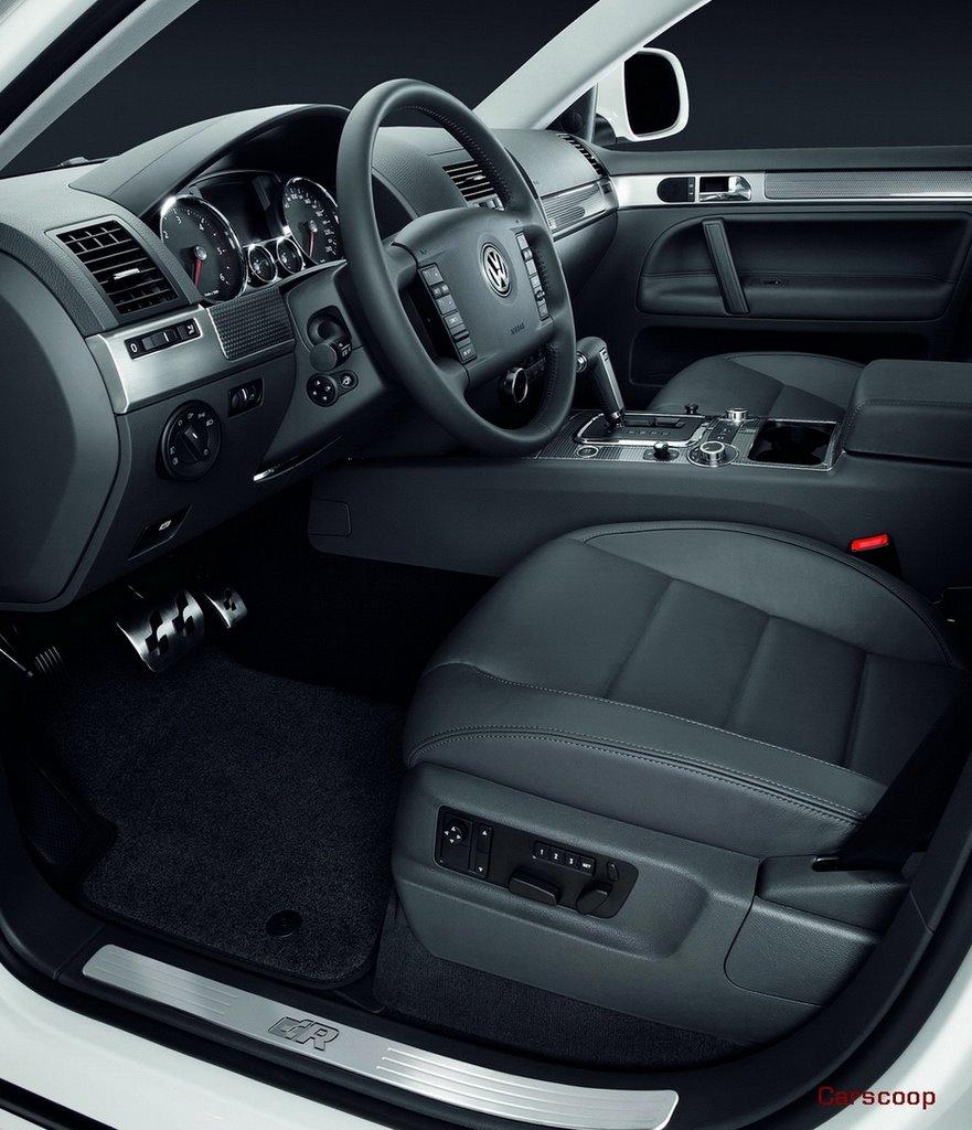 CAR CC: VW Debuts R-Line Sport Packs For Golf, Touran