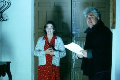 Carmen Maura and Pedro Almodóvar, on the set of Volver