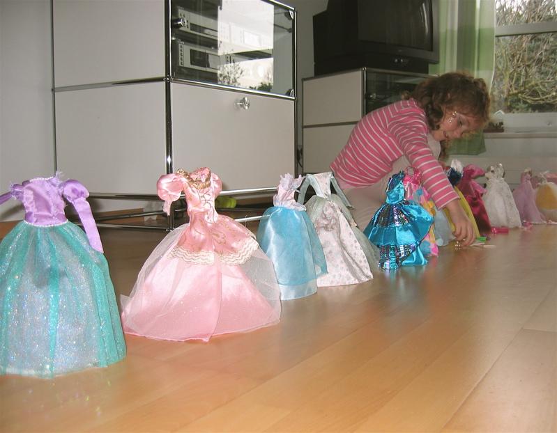 Magnificent Schnittmuster Für Barbie Collection - Decke Stricken ...