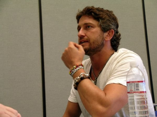gerard butler 300 beard - photo #23
