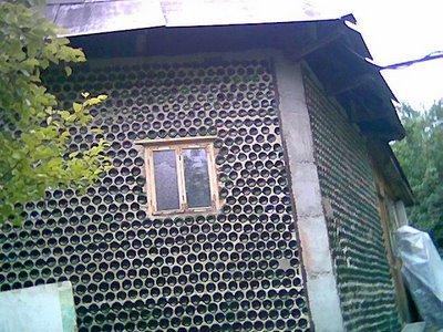 Casa hecha con botellas 1