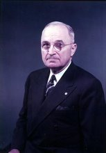 President Harry S Truman (SCROLL TO BOTTOM OF THIS PAGE FOR MANY MORE HARRY TRUMAN PORTRAITS