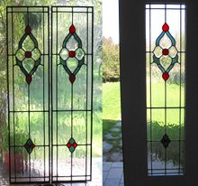 Bevelled sidelights for an entryway